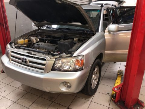 Pre-Owned 2006 Toyota Highlander suv